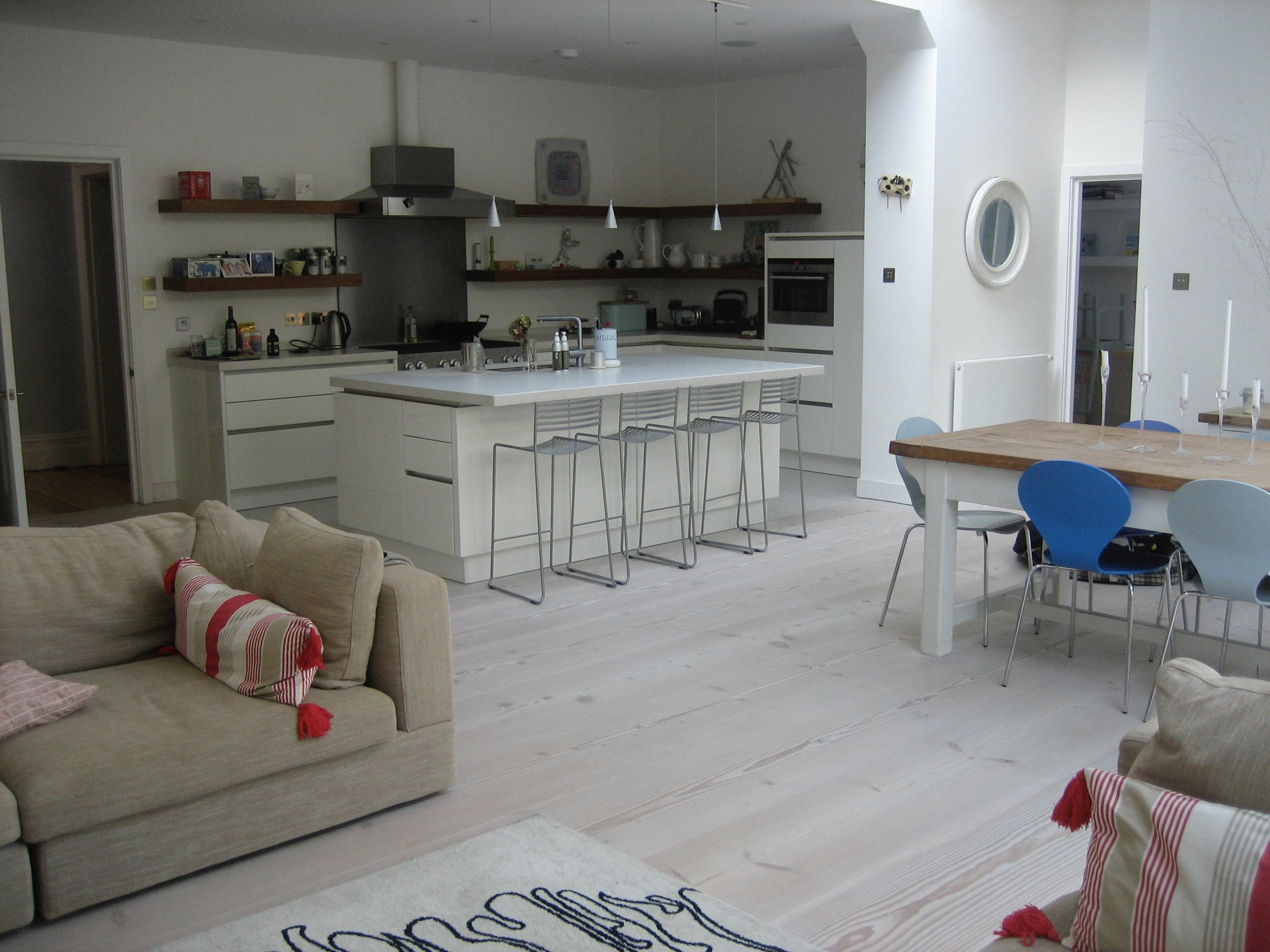 Tomhara a luxury self catering holiday home in rock for Interior designer address