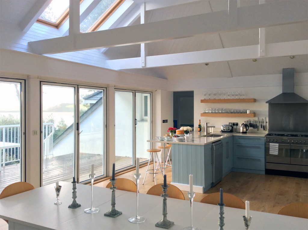 Tomhara - the perfect holiday house - Open Kitchen and Dining Area